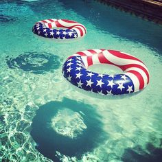 Plan a July 4 Swimming Pool Party