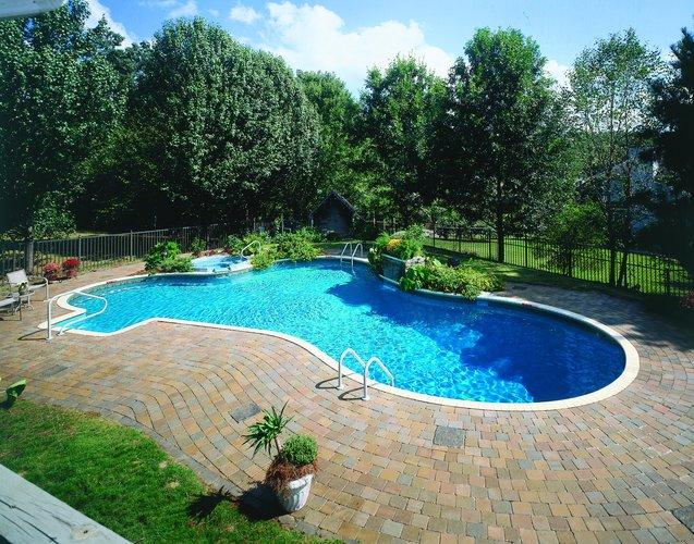 Benefits of fiberglass pools