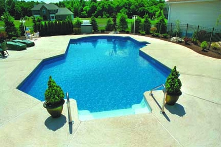 How to plan for a pool project: 8 tips