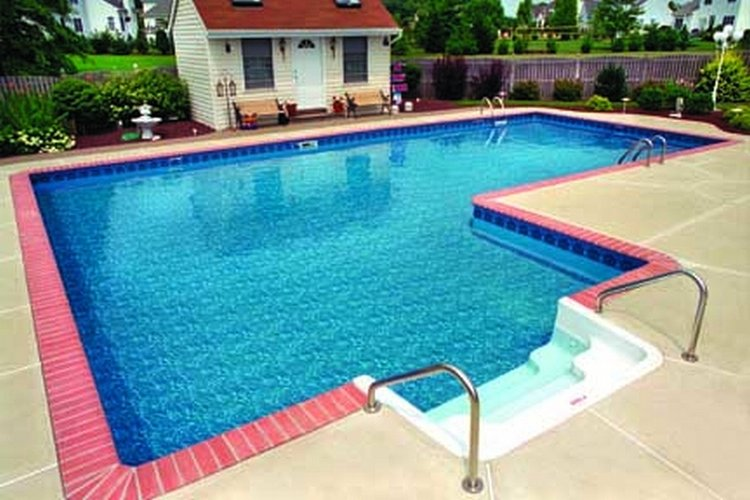 Ways to save water in your swimming pool