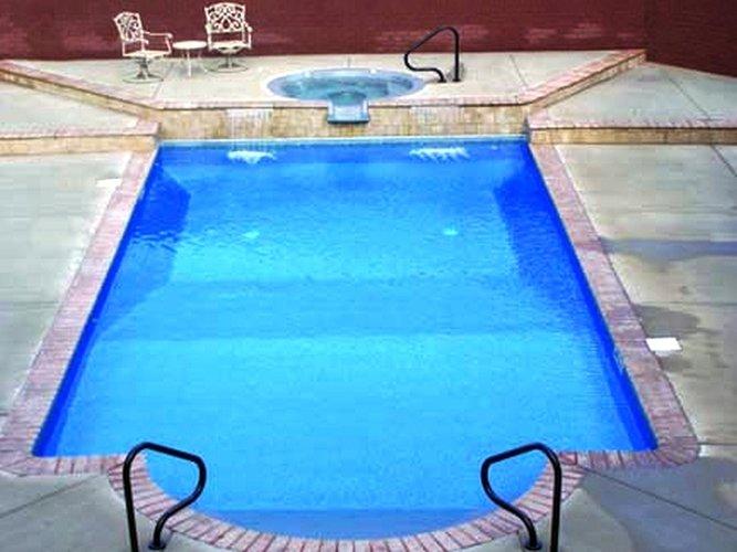 Does my pool need resurfacing?