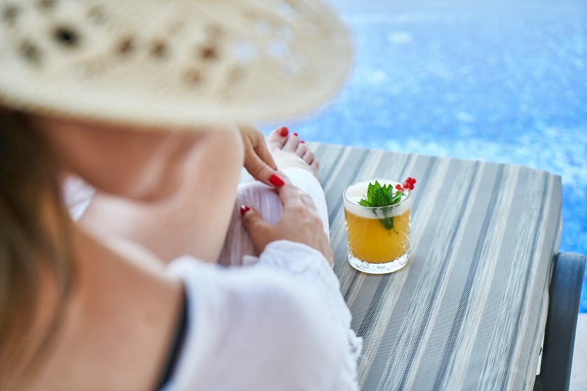 How to dress up the pool deck